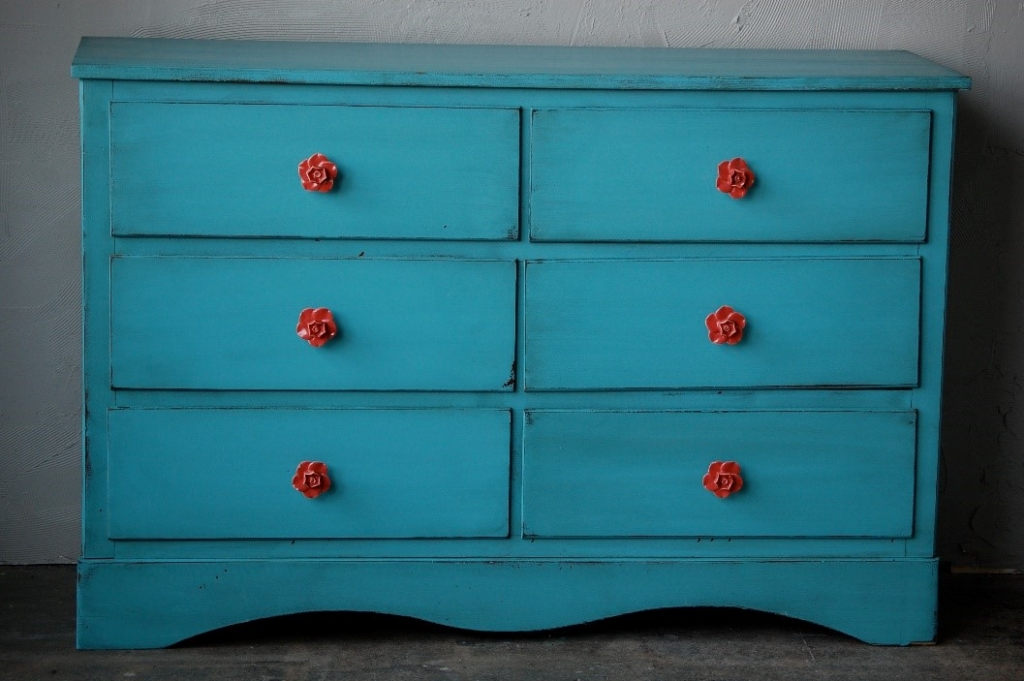 relooker vos meubles avec de la peinture