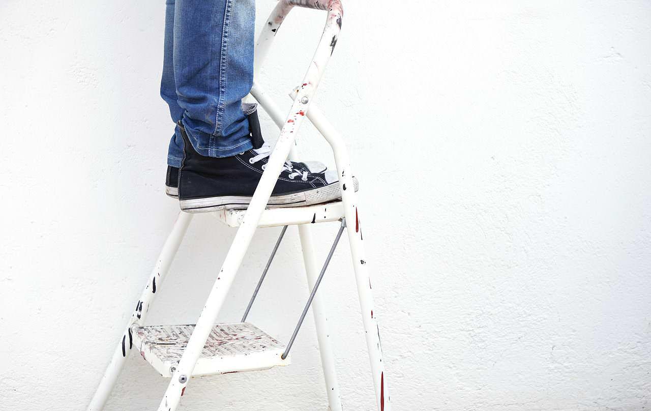 Comment Peindre Un Plafond Sans Trace peindre un plafond : 10 erreurs à ne pas commettre – mon peintre